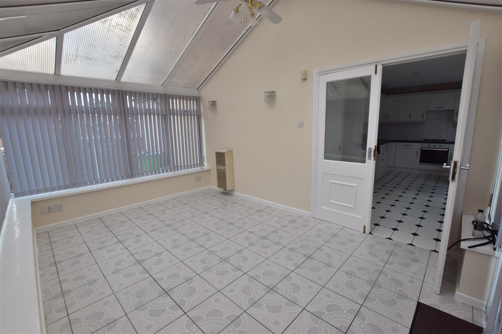 3 Bedrooms End Of Terrace House for sale in Orchard Street, Heywood